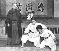 Entraînement avecMaître Jigoro Kano