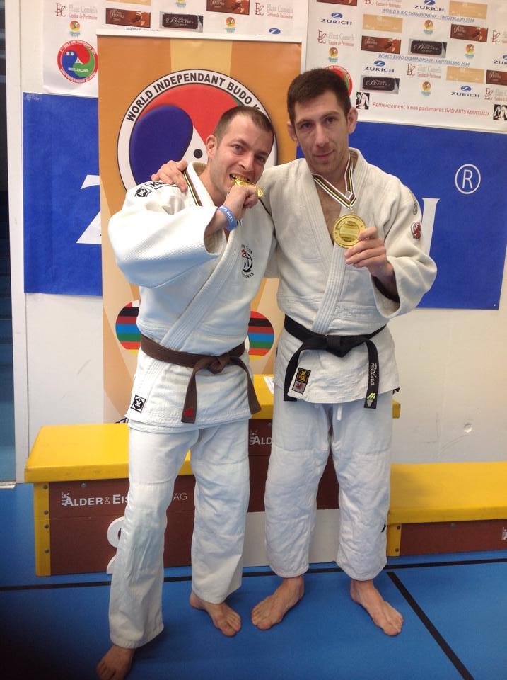 Les champions de gauche à droite Pierre Bonnet et Jean-Louis Reina